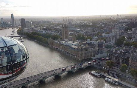 אני וחבר טסנו ללונדון